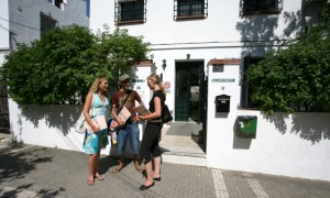 Top 5 Last Minute Summer Offers for Cheapest Spanish Courses in Spain -Picture by aeea.org
