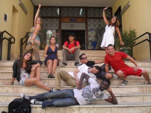 How to find the best prices to study Spanish in groups in Spain